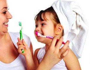 Как правильно мотивировать ребенка чистить зубы?