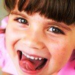 Чистка языка: ложки, скребки и щетки