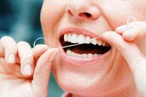 Зубная нить, как одно из важных средств гигиены полости рта