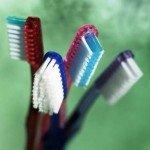 Зубные щетки и чистка зубов