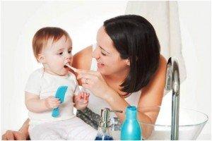 Правильный уход за полостью рта новорожденного