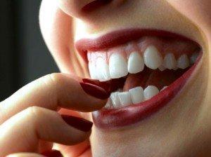 Стоматологическая клиника поможет восстановить природный цвет зубов