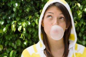 Жевательная резинка противостоит неприятному запаху изо рта курильщика
