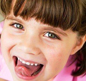 Гигиена полости рта: скребки, ложки и щетки для языка