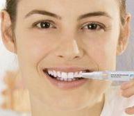 Быстрое отбеливание зубов при помощи специального карандаша