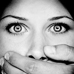 Запах изо рта – возможный признак пародонтита