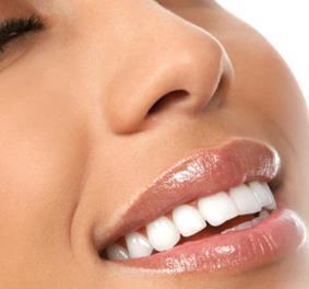 Отбеливание зубов: от каких продуктов питания воздерживаться после процедуры?