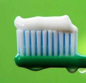Лечебная зубная паста на страже здоровья десен